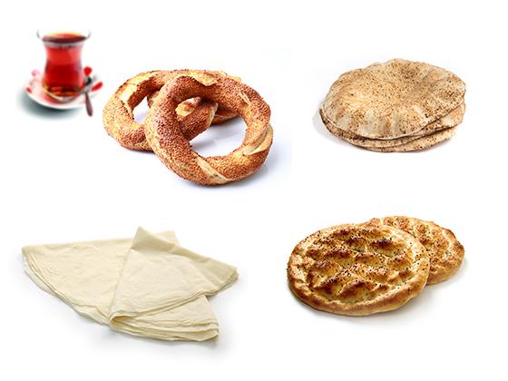 Supermarkt Marmaris heeft een broodafdeling met dagelijks vers Turks brood en gebak.